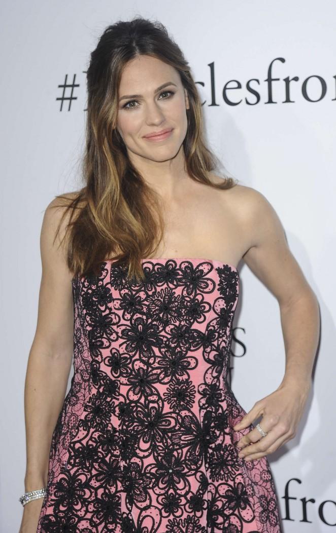 Jennifer Garner - 'Miracles from Heaven' Premiere in LA