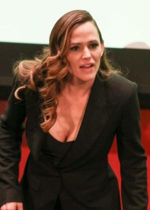 Jennifer Garner - MOMS 'Miracles From Heaven' Mamarazzi Screening in New York