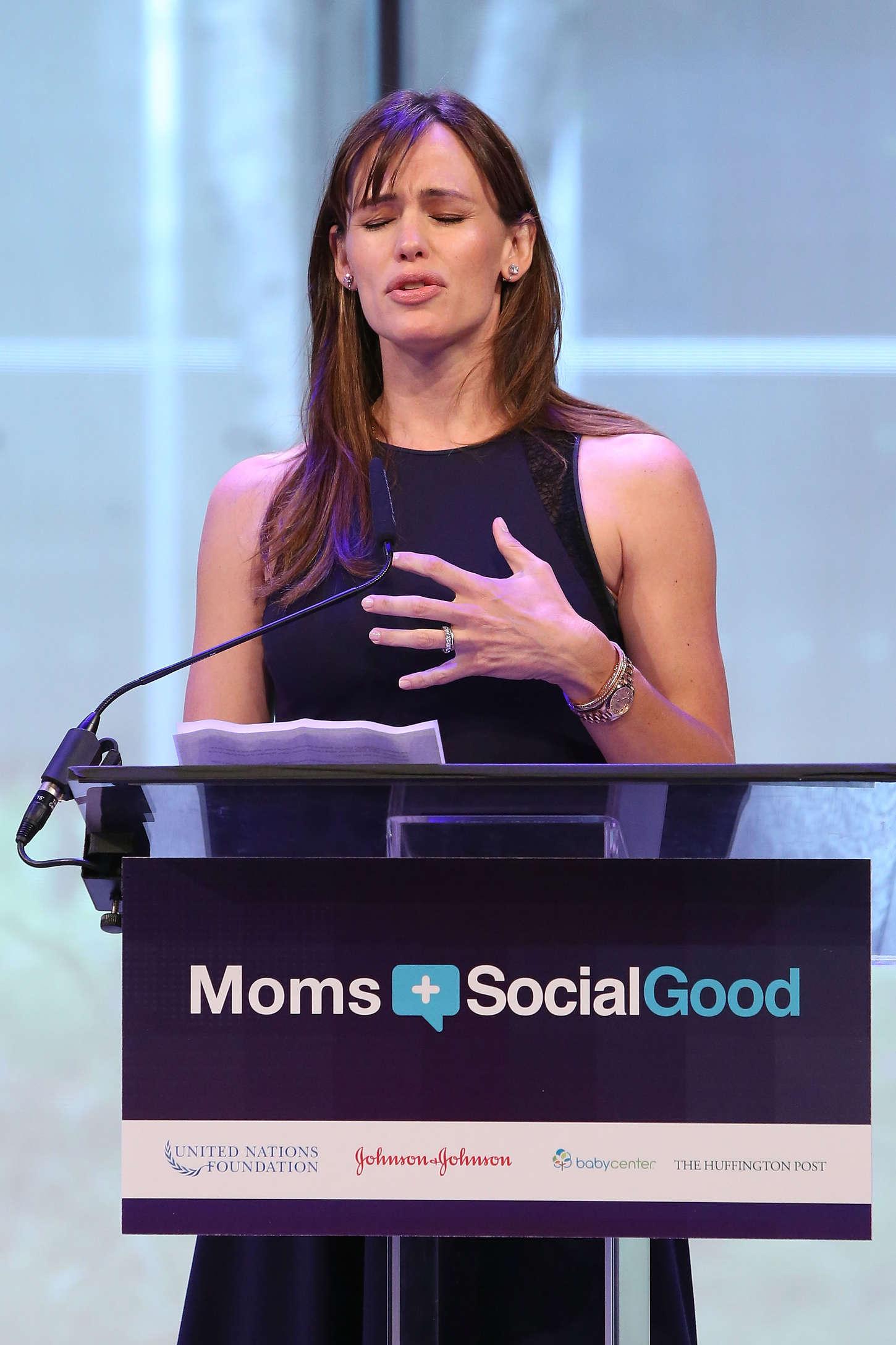 Jennifer Garner 2015 : Jennifer Garner: Moms Social Good Global Moms Challenge -02