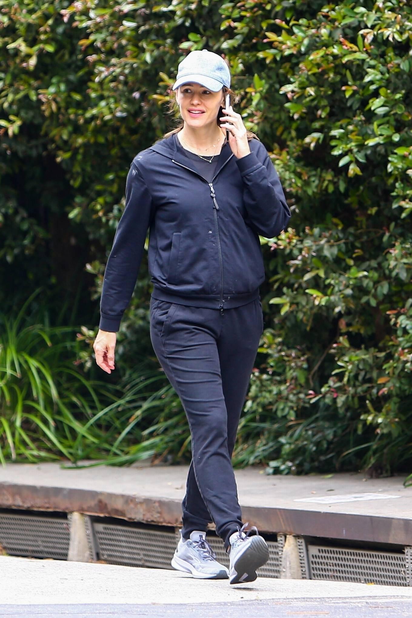 Jennifer Garner 2021 : Jennifer Garner – morning walk through her Brentwood neighborhood-05