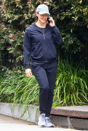 Jennifer Garner - morning walk through her Brentwood neighborhood