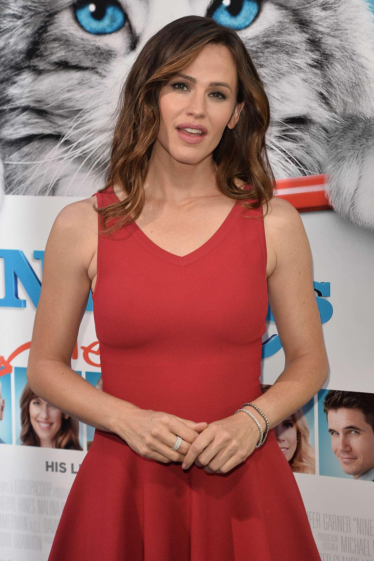Jennifer Garner - 'Nine Lives' Premiere in Los Angeles