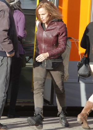 Jennifer Garner - On the set of 'Peppermint' in Los Angeles