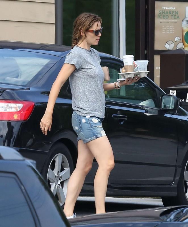 Jennifer Garner in Jeans Shorts -04