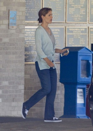 Jennifer Garner - Out and about in Atlanta