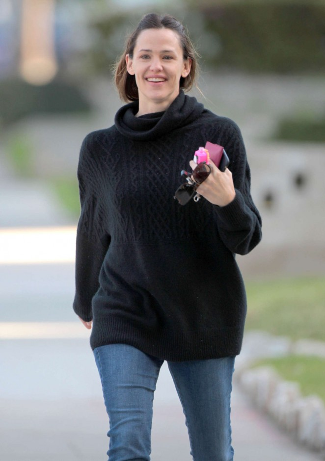 Jennifer Garner in Jeans Out and about in Brentwood