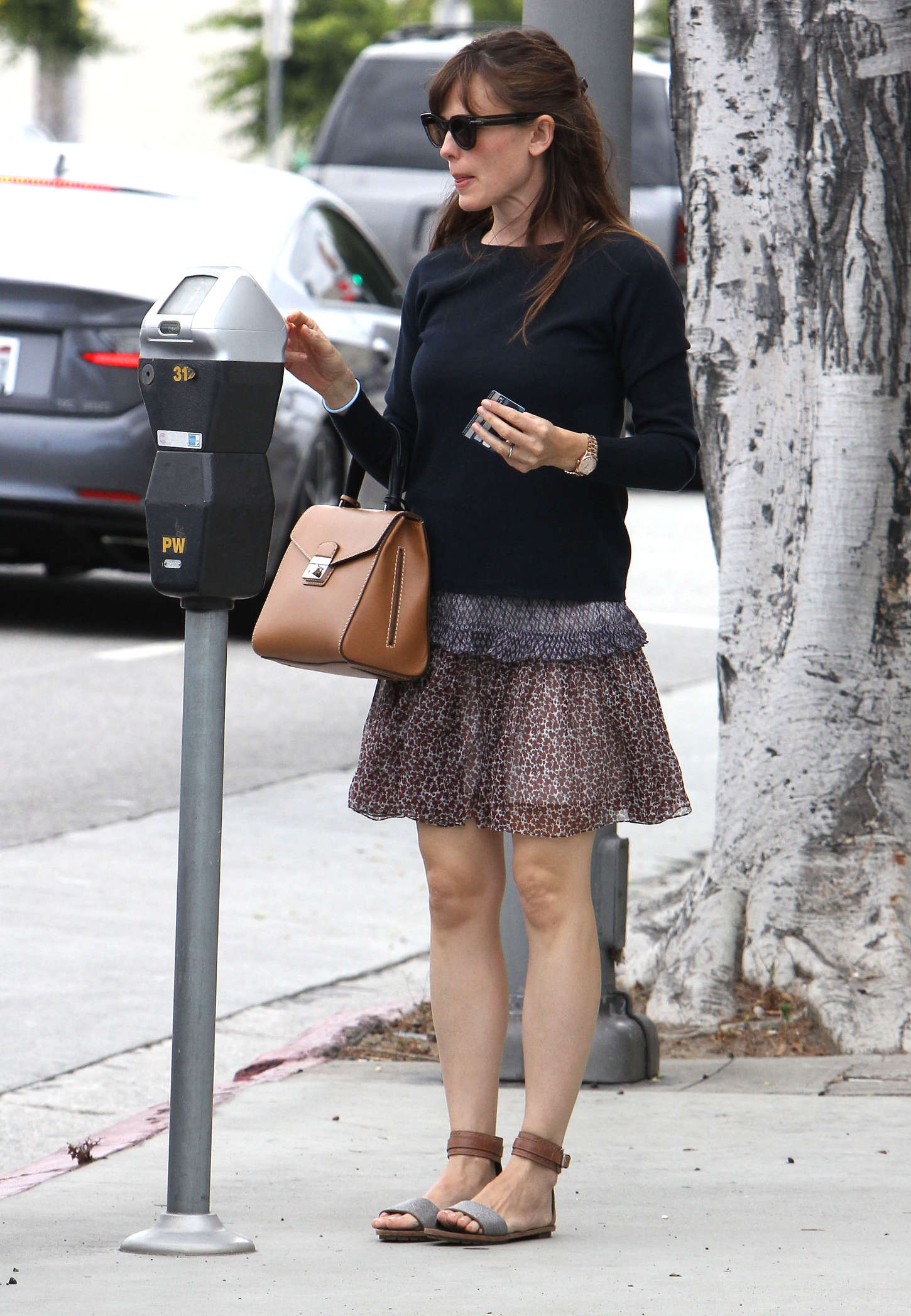 pics Jennifer garner in black mini skirt brentwood