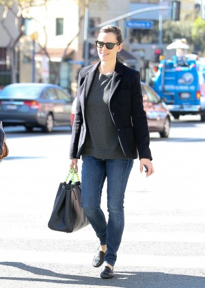 Jennifer Garner in Jeans Out in Los Angeles