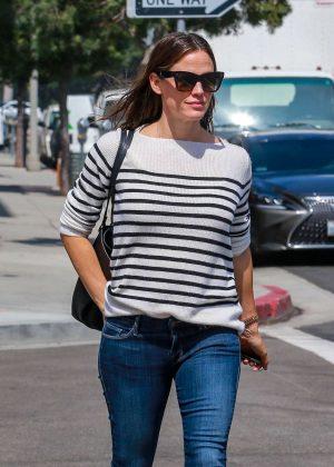 Jennifer Garner - Out in Beverly Hills