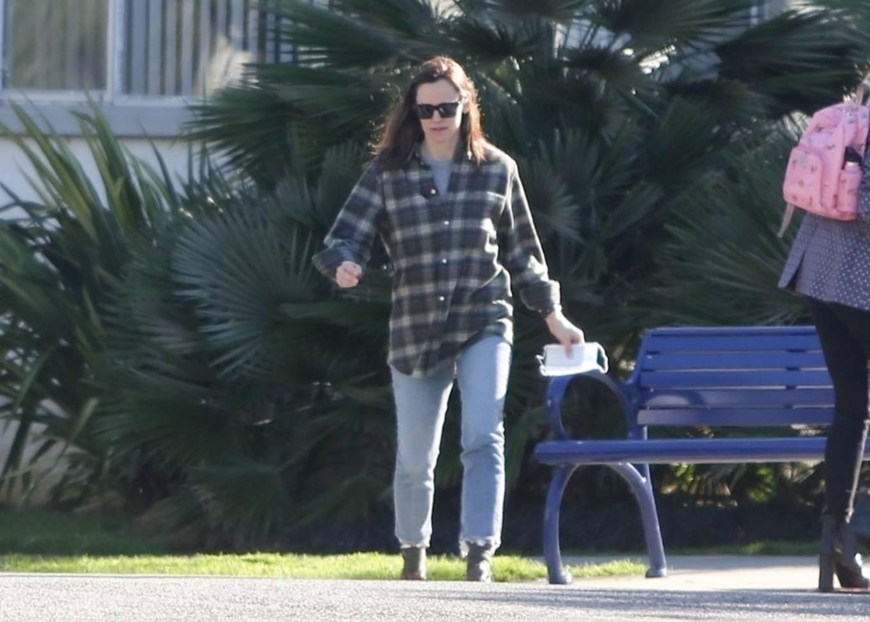Jennifer Garner 2020 : Jennifer Garner – Out in Brentwood-15