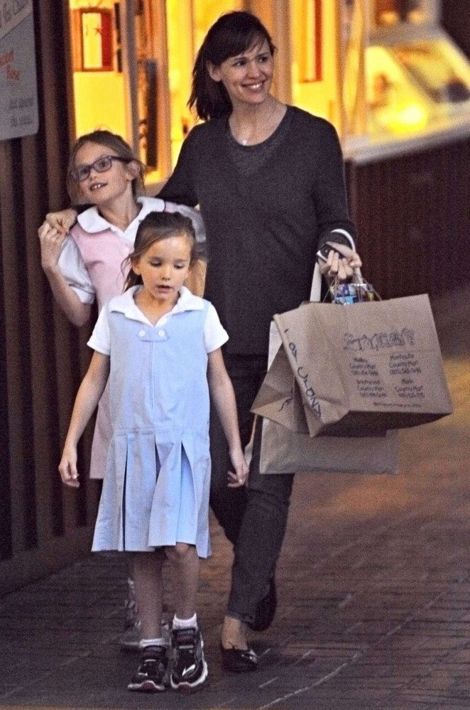 Jennifer Garner with Her Daughters out in Brentwood