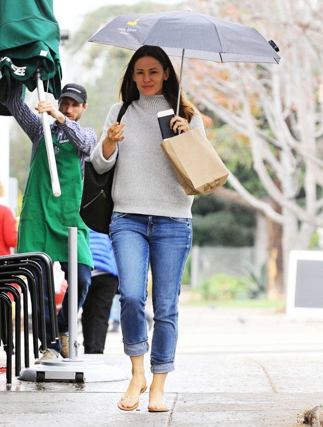 Jennifer Garner out in Brentwood -09