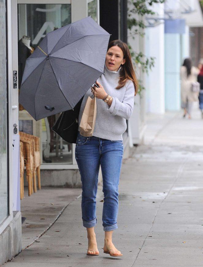 Jennifer Garner out in Brentwood -10