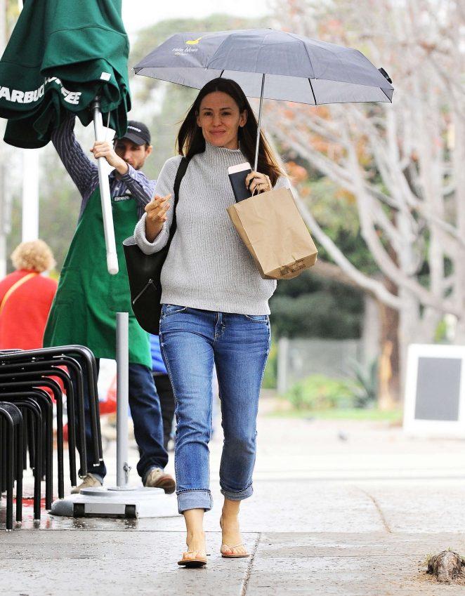 Jennifer Garner out in Brentwood -12