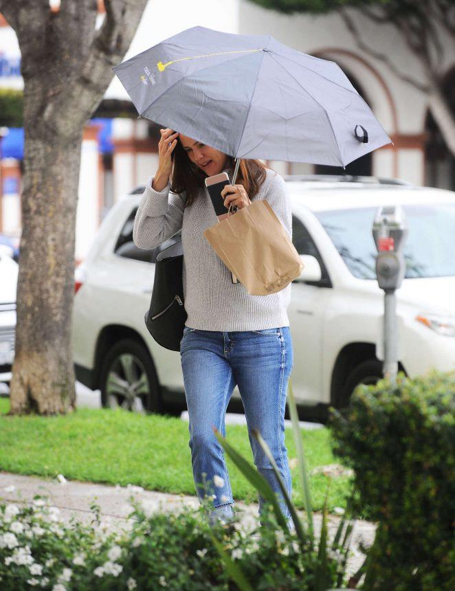 Jennifer Garner out in Brentwood -13