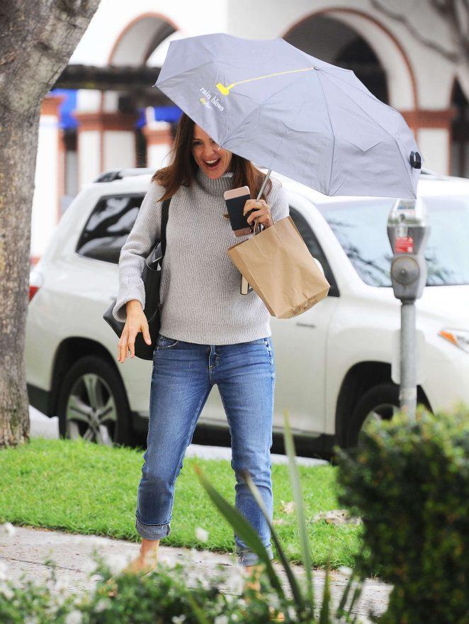 Jennifer Garner out in Brentwood -14