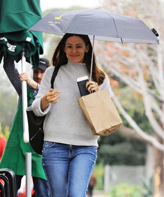 Jennifer Garner out in Brentwood -21