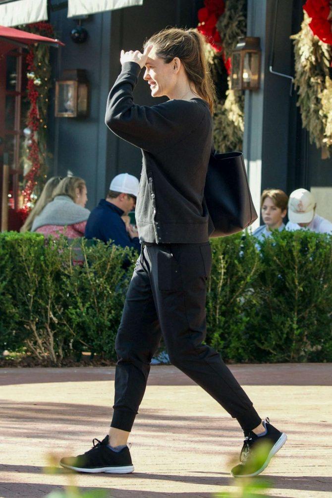 Jennifer Garner – Out in Brentwood