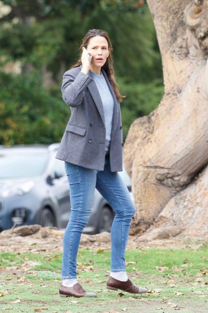 Jennifer Garner - Out in Brentwood