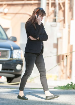 Jennifer Garner in Tight Jeans Out in LA