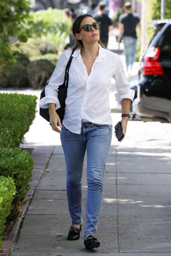 Jennifer Garner 2019 : Jennifer Garner – Out in Los Angeles-04