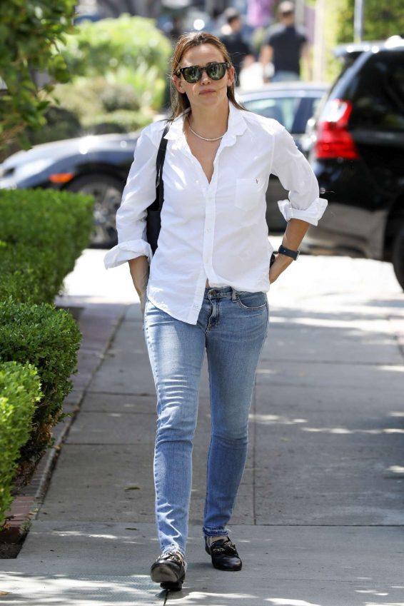 Jennifer Garner 2019 : Jennifer Garner – Out in Los Angeles-09