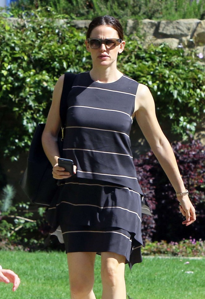 Jennifer Garner out in Los Angeles