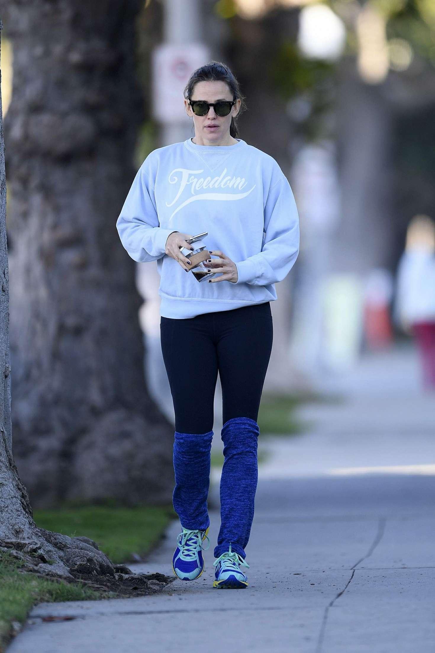 Jennifer Garner 2018 : Jennifer Garner: Out in Los Angeles -01