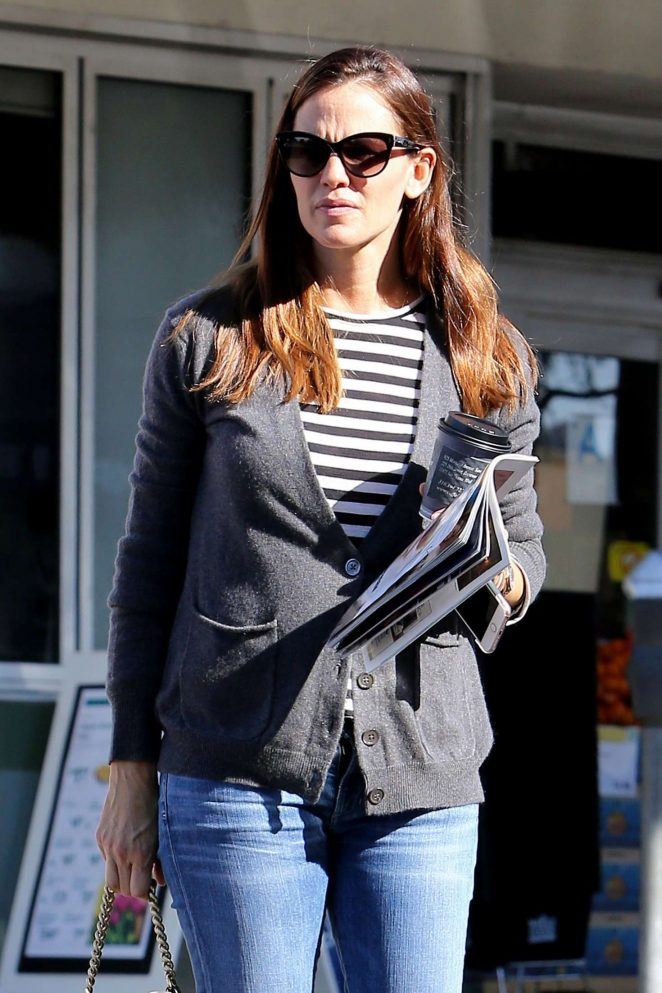 Jennifer Garner out in Pacific Palisades