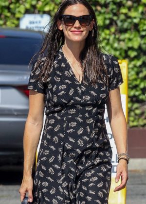 Jennifer Garner - Out in Pacific Palisades