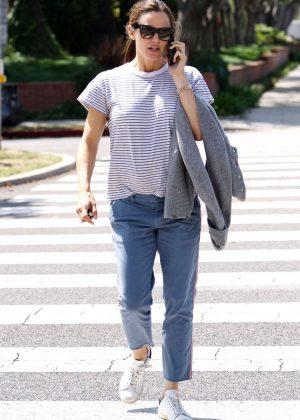 Jennifer Garner out in Santa Monica
