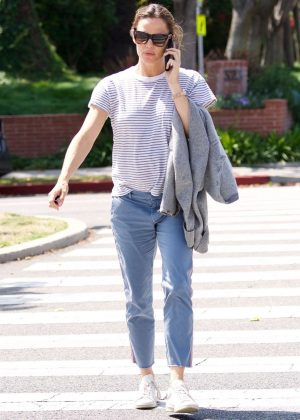 Jennifer Garner out in Santa Monica