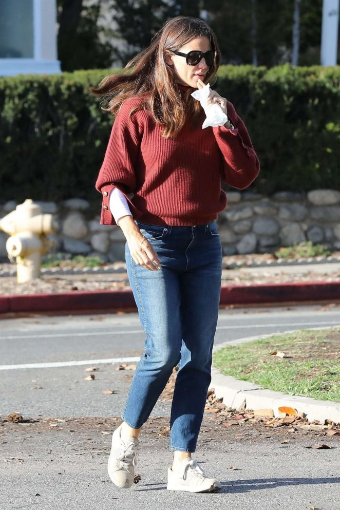 Jennifer Garner - Out in Santa Monica