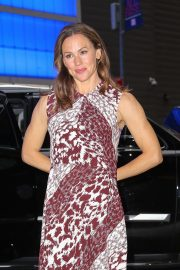 Jennifer Garner - Outside Good Morning America in Manhattan
