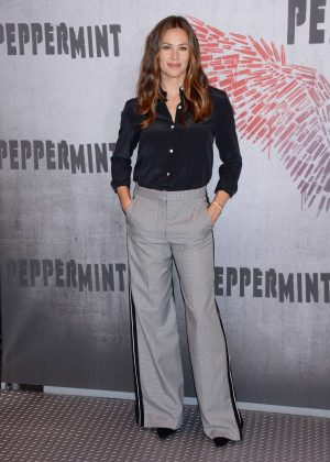 Jennifer Garner - 'Peppermint' Photocall in Los Angeles