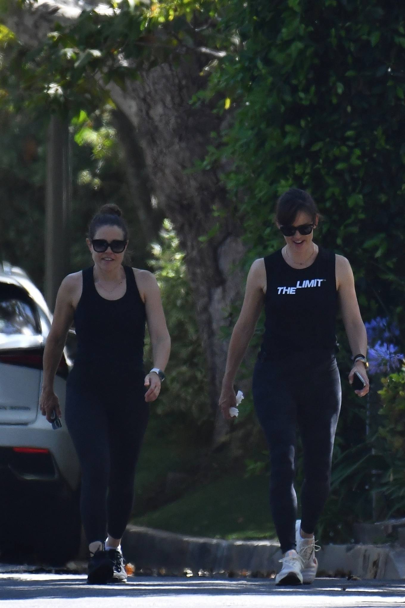 Jennifer Garner 2021 : Jennifer Garner – Power walk on a hot day in LA-12