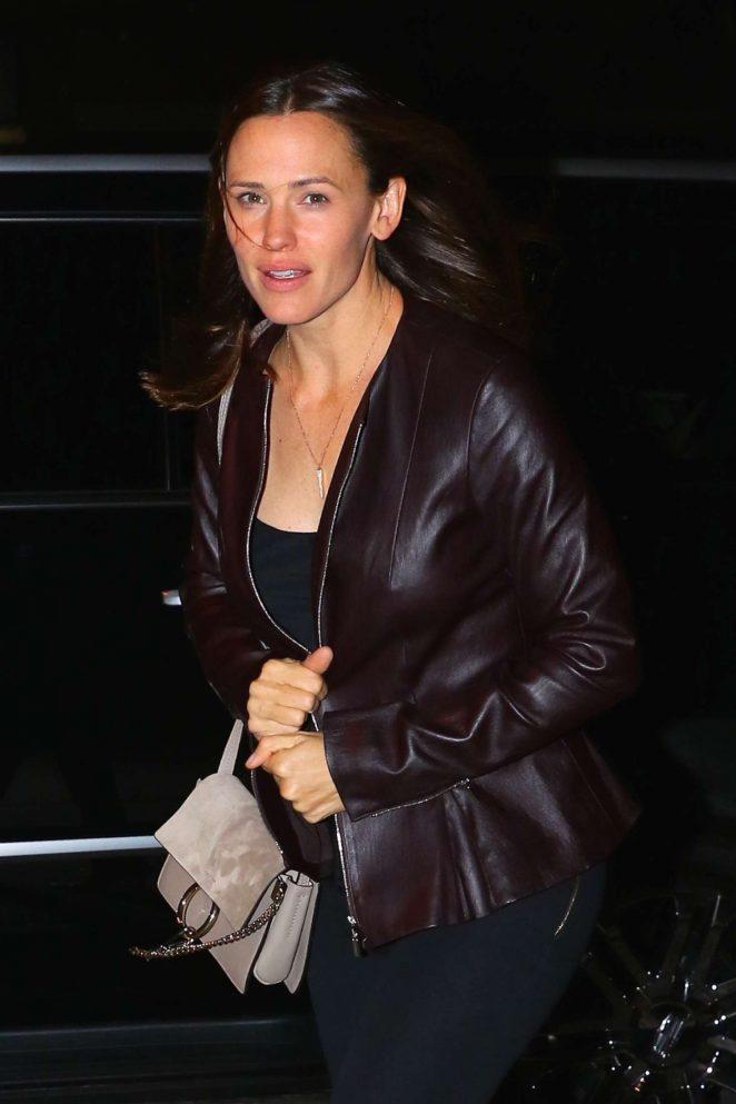 Jennifer Garner Returns to her Tribeca hotel in NYC