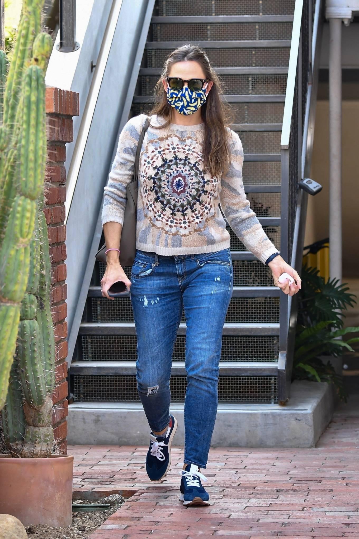 Jennifer Garner - Seen after a meeting in Brentwood