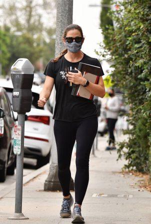 Jennifer Garner - Seen after a workout in Brentwood