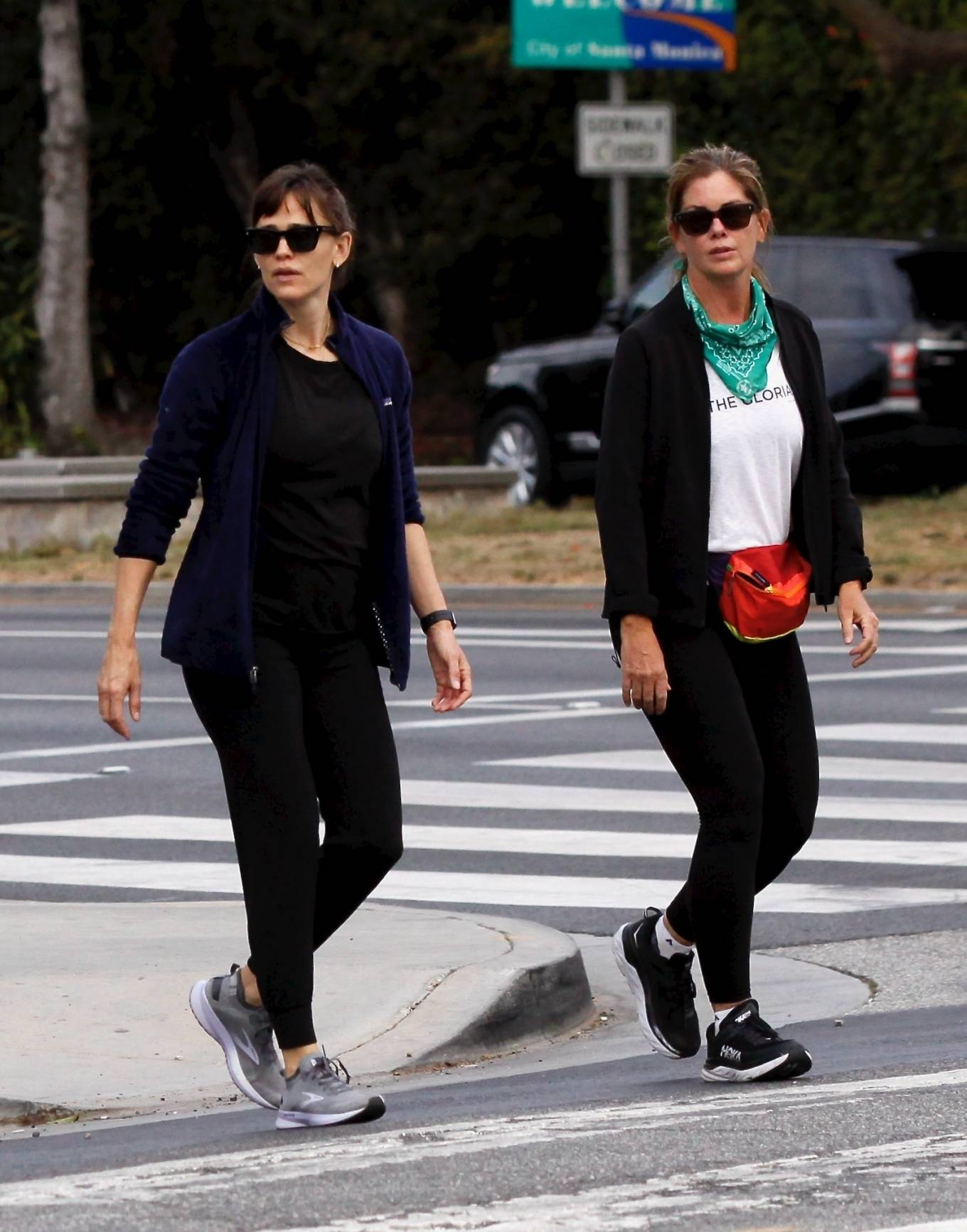 Jennifer Garner - Seen while out for a morning walk in Brentwood