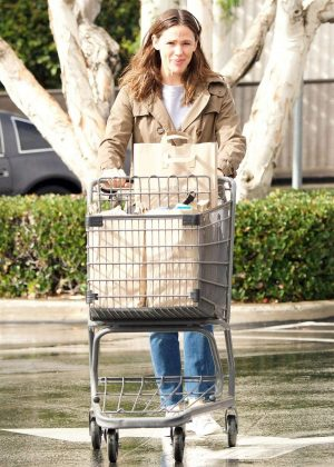 Jennifer Garner - Shopping in Brentwood