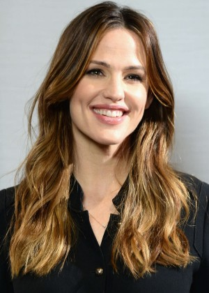 Jennifer Garner - Sony Pictures Releasing Miracles From Heaven Photocall in West Hollywood