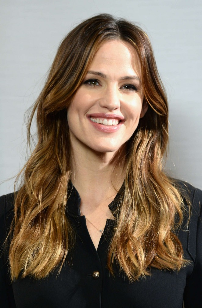 Jennifer Garner – Sony Pictures Releasing Miracles From Heaven Photocall in West Hollywood