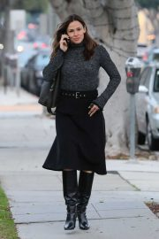 Jennifer Garner - Spotted out in Santa Monica