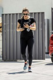 Jennifer Garner - Spotted while walking to her car at Body by Simone gym in West Hollywood