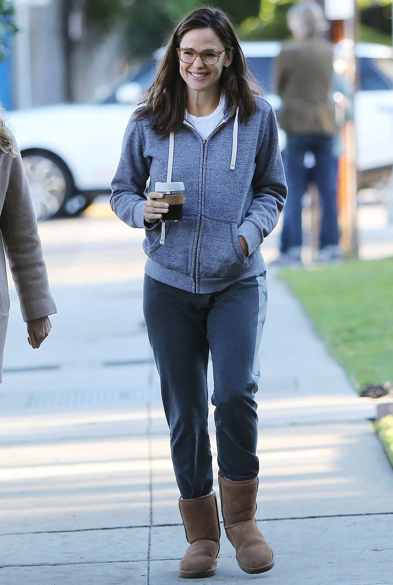 Jennifer Garner 2020 : Jennifer Garner – Strolling in Los Angeles-10