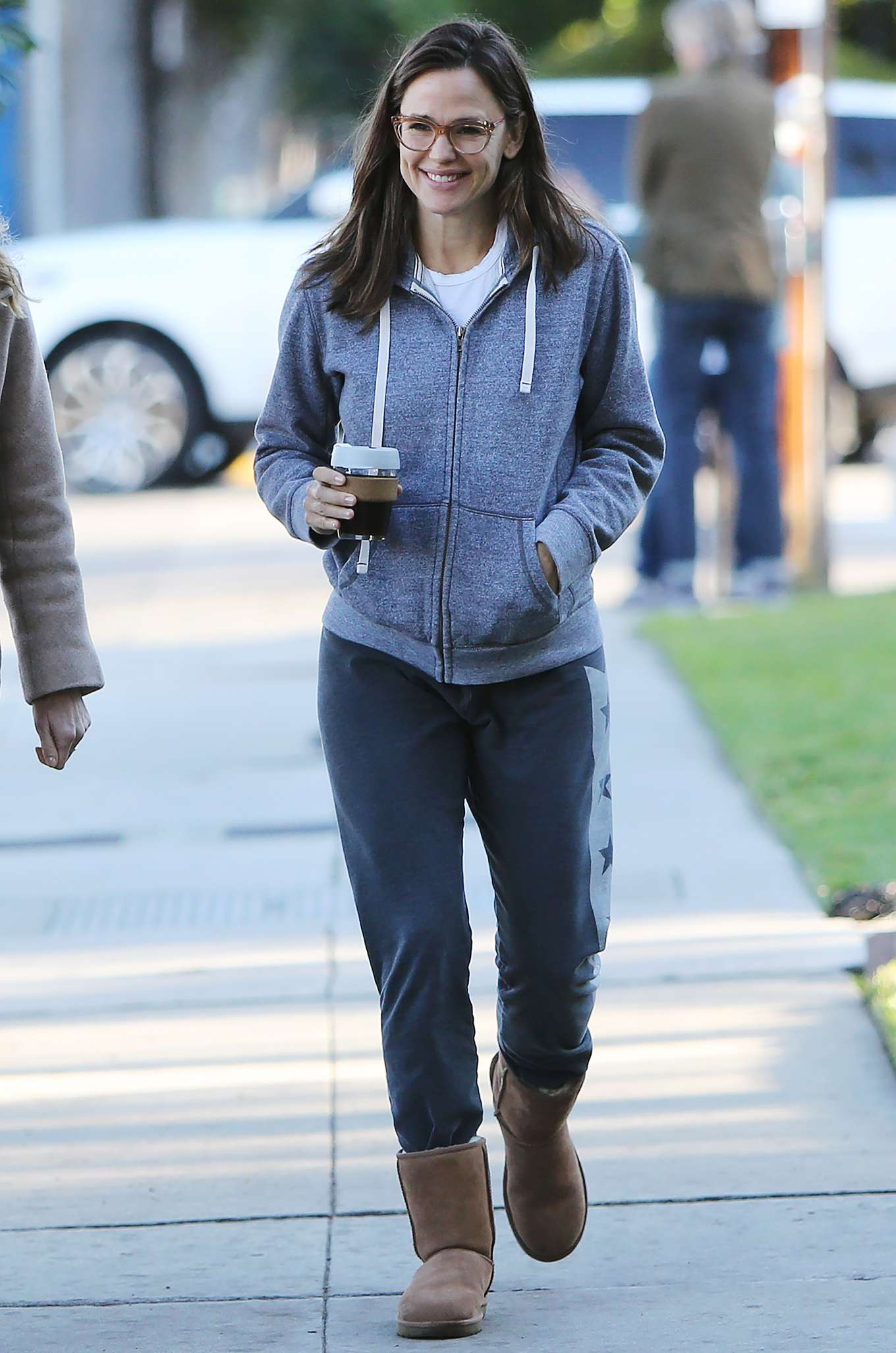 Jennifer Garner 2020 : Jennifer Garner – Strolling in Los Angeles-13