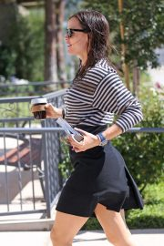 Jennifer Garner - Sunday Church Services in Pacific Palisades