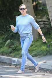 Jennifer Garner - Visiting Bradley Cooper in Pacific Palisades
