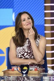 Jennifer Garner - Visits 'Good Morning America' in New York City